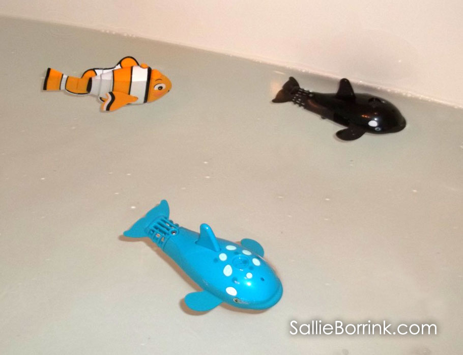 Lil' Fishys Spraying Whaleys and Clownfish in the tub