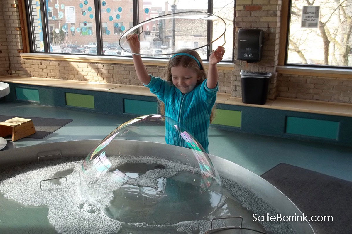 Making Giant Bubblesl at Grand Rapids Children's Museum